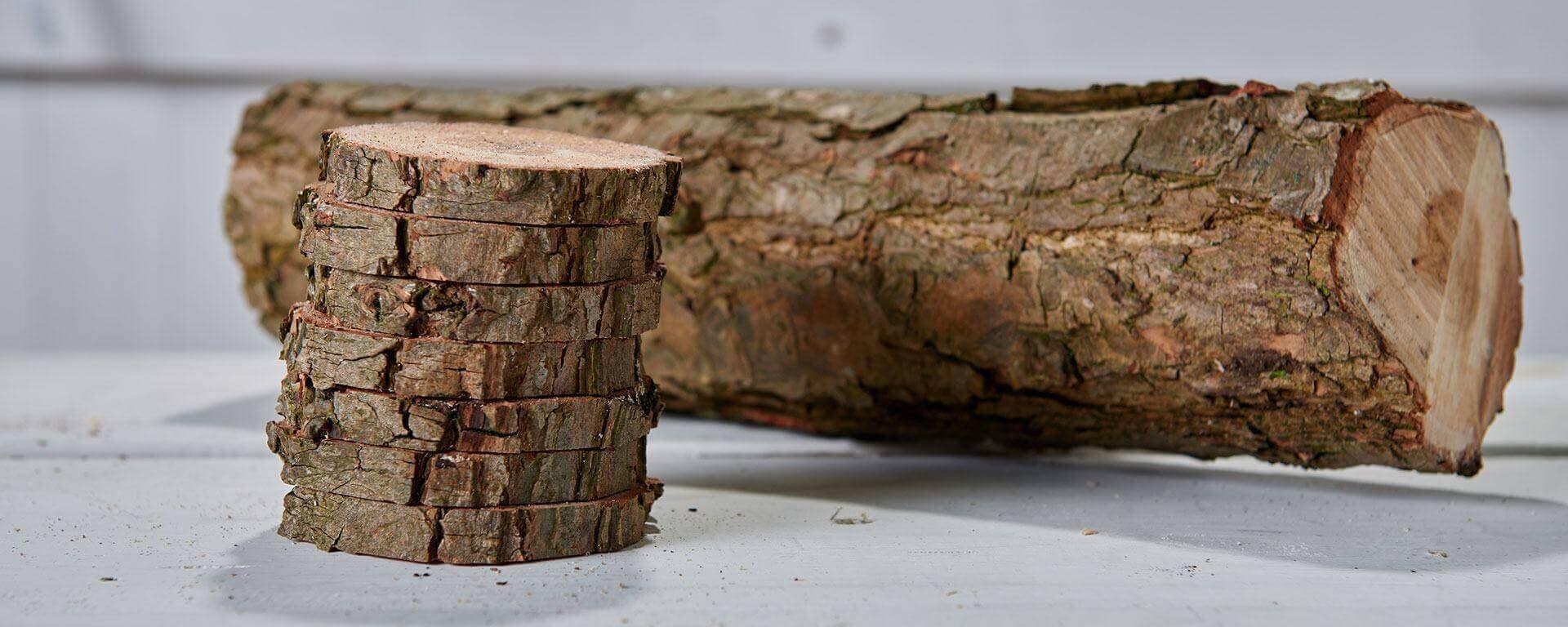 fabriquer des dessous de verre en bois avec une b che. Black Bedroom Furniture Sets. Home Design Ideas